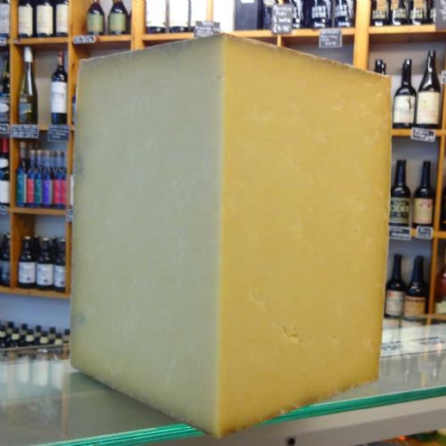 Montgomery Cheddar Cheese, Traditional unpasteurised farmhouse cheddar cheese